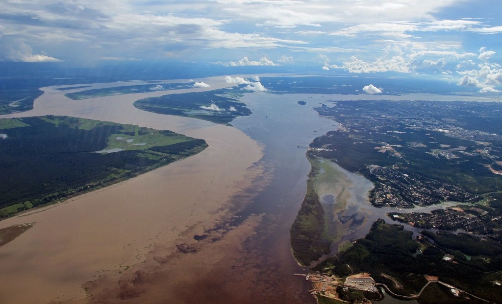 meeting_of_waters_from_the_air_manaus_brazil
